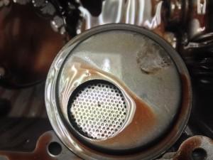 Vyčištění olejové vany a sacího koše - Moto Guzzi